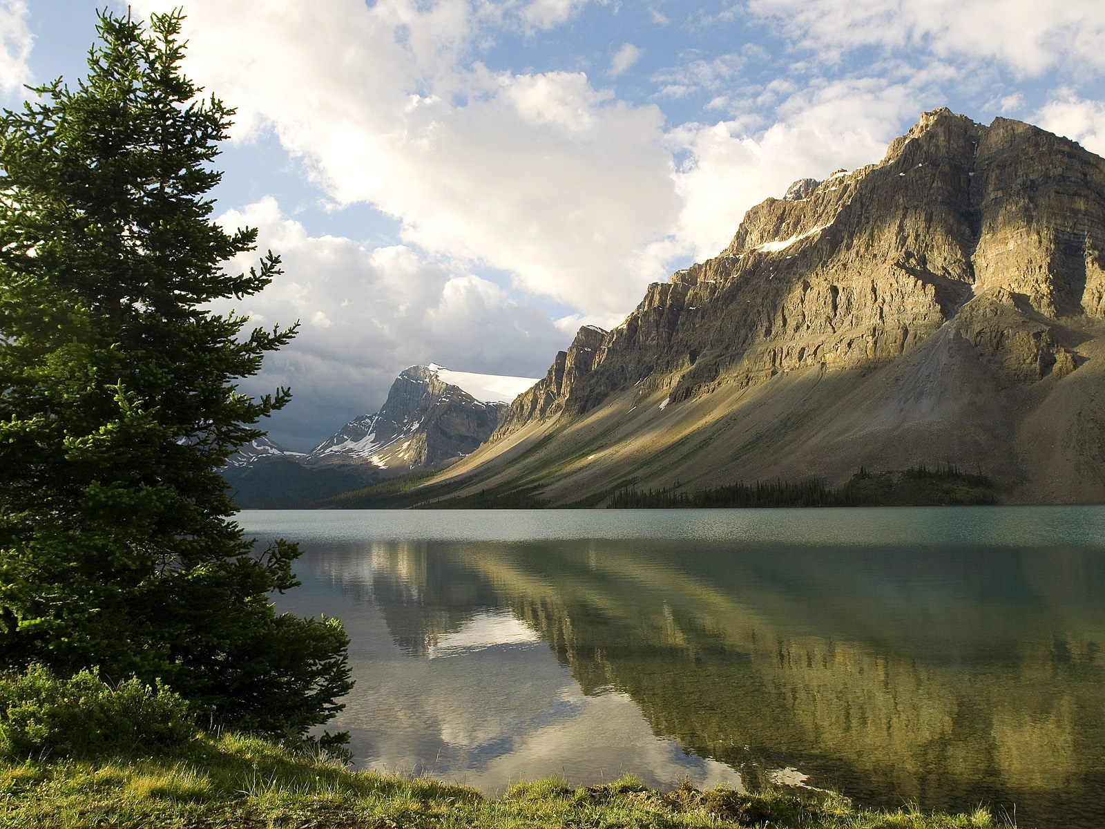 Bow Lake Banff National Park Alberta