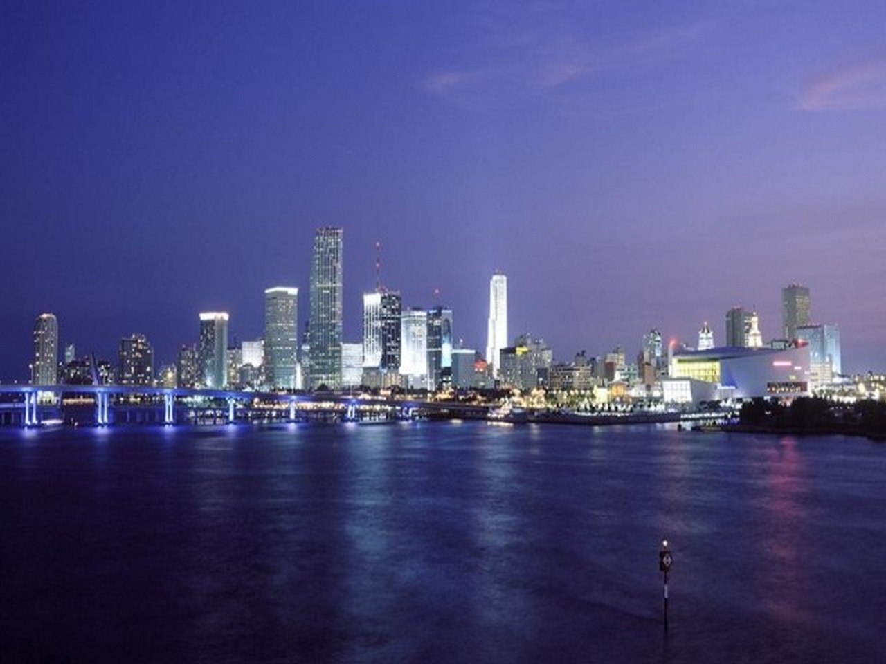 Miami HD wallpaper 1280 x 960
