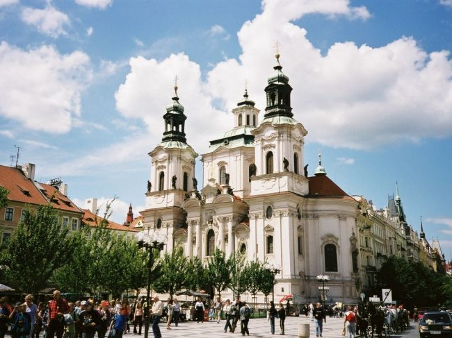 Prague stnicholas church 650 x 487