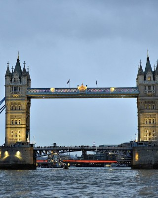London bridge 320x400