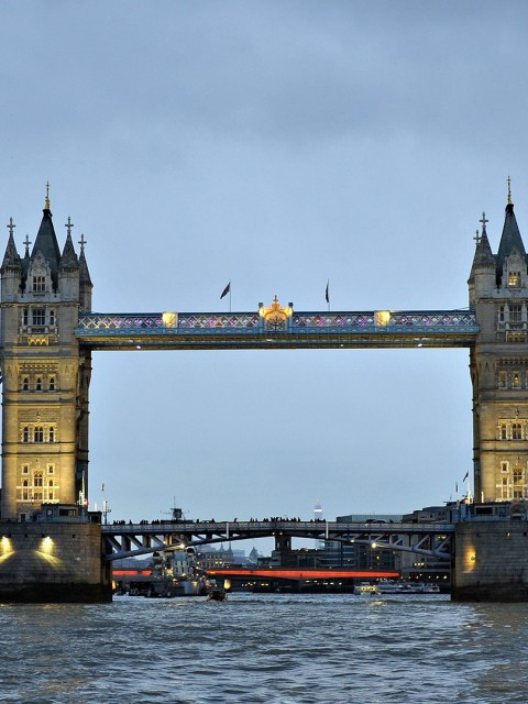 London bridge 480x640