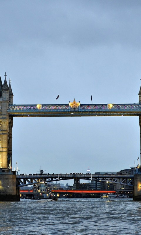 London bridge 480x800