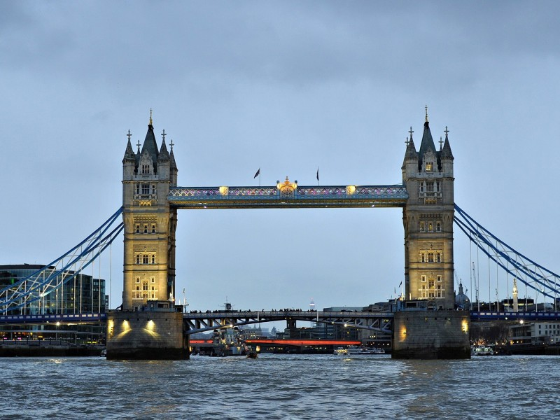 London bridge 800x600