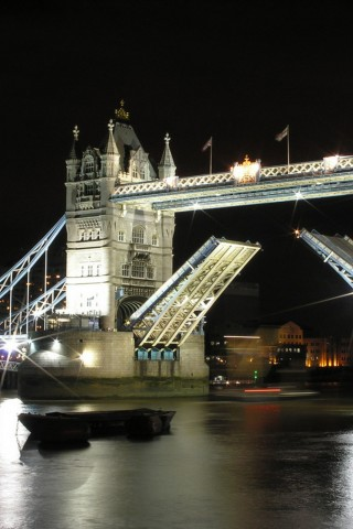 Tower Bridge 320x480