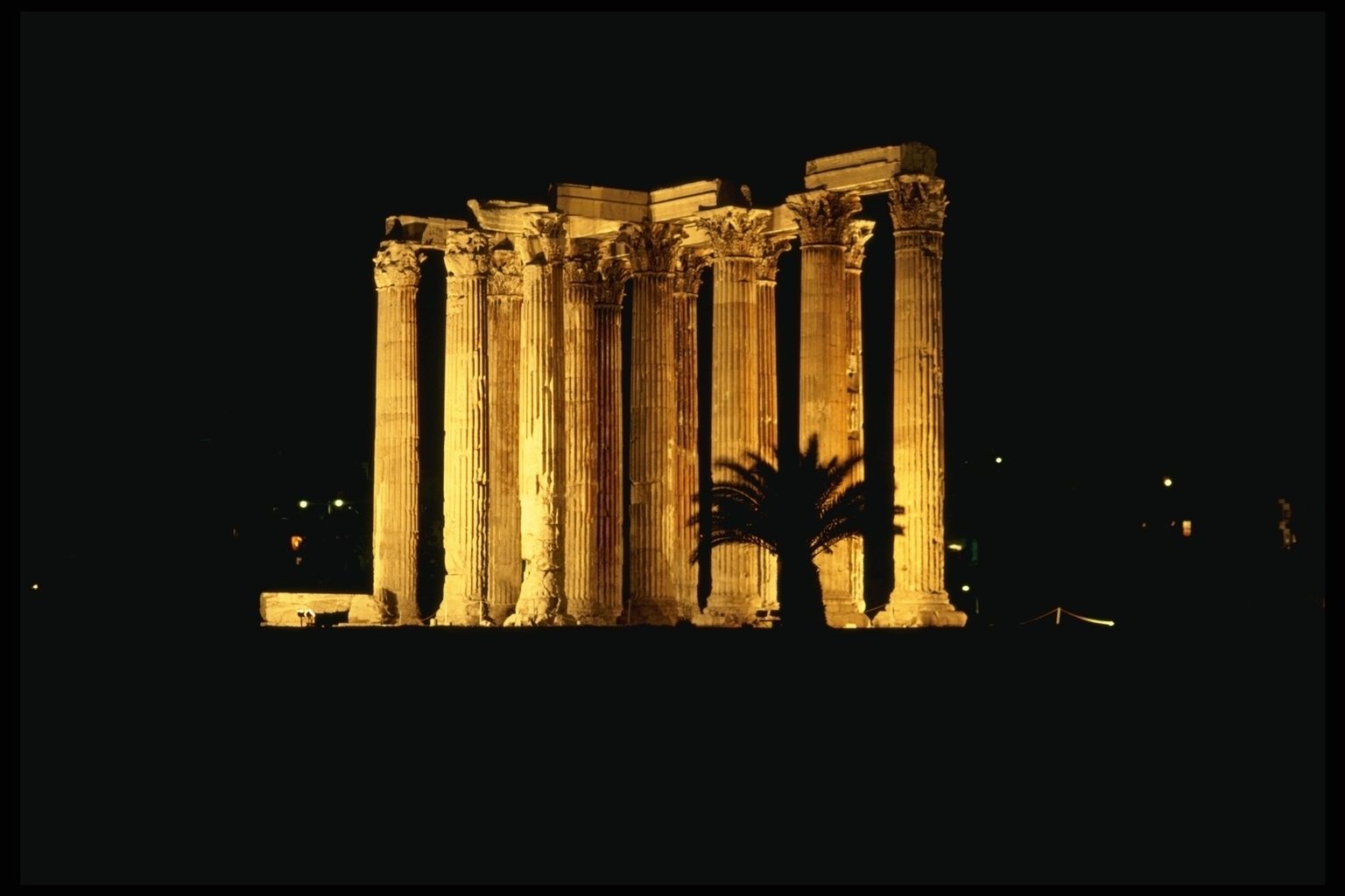 Historic Ruins night 1536 x 1024