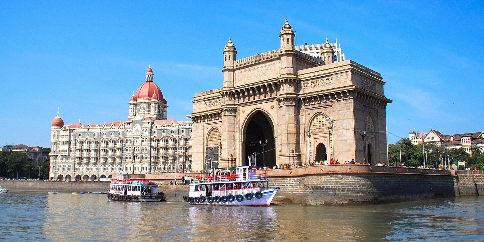 Gate of India and Taj Hotel in Mumbai