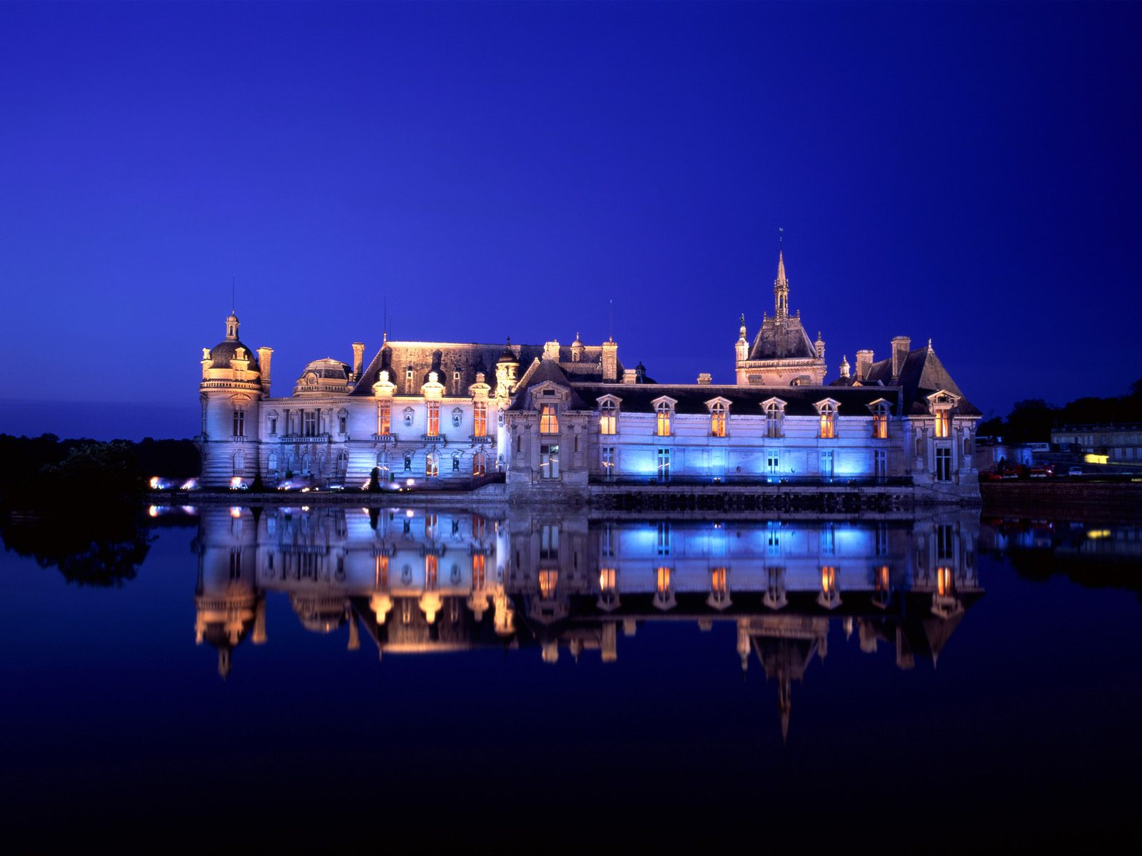 Chateau de Chantilly Chantilly 1600 x 1200