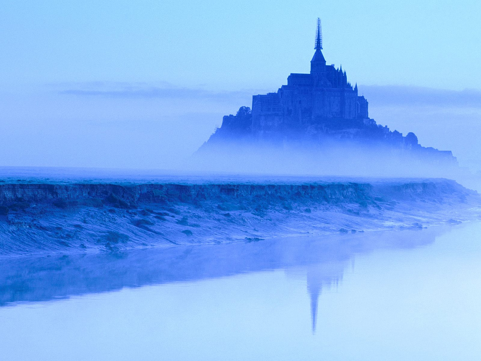 Mont St. Michel at Dawn Normandy 1600 x 1200