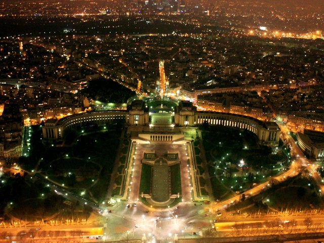 Paris night view 640x480