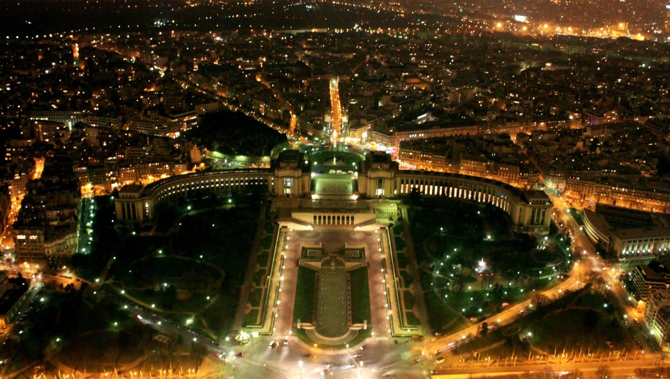 Paris night view 960x544