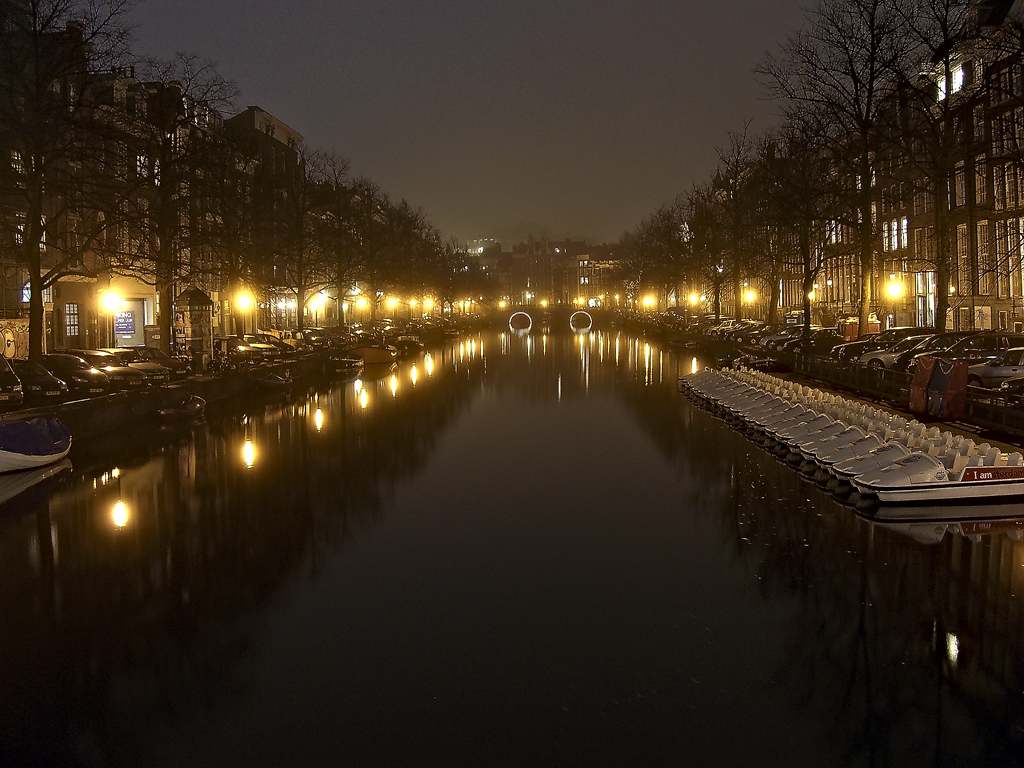 Amsterdam night river 1024 x 768