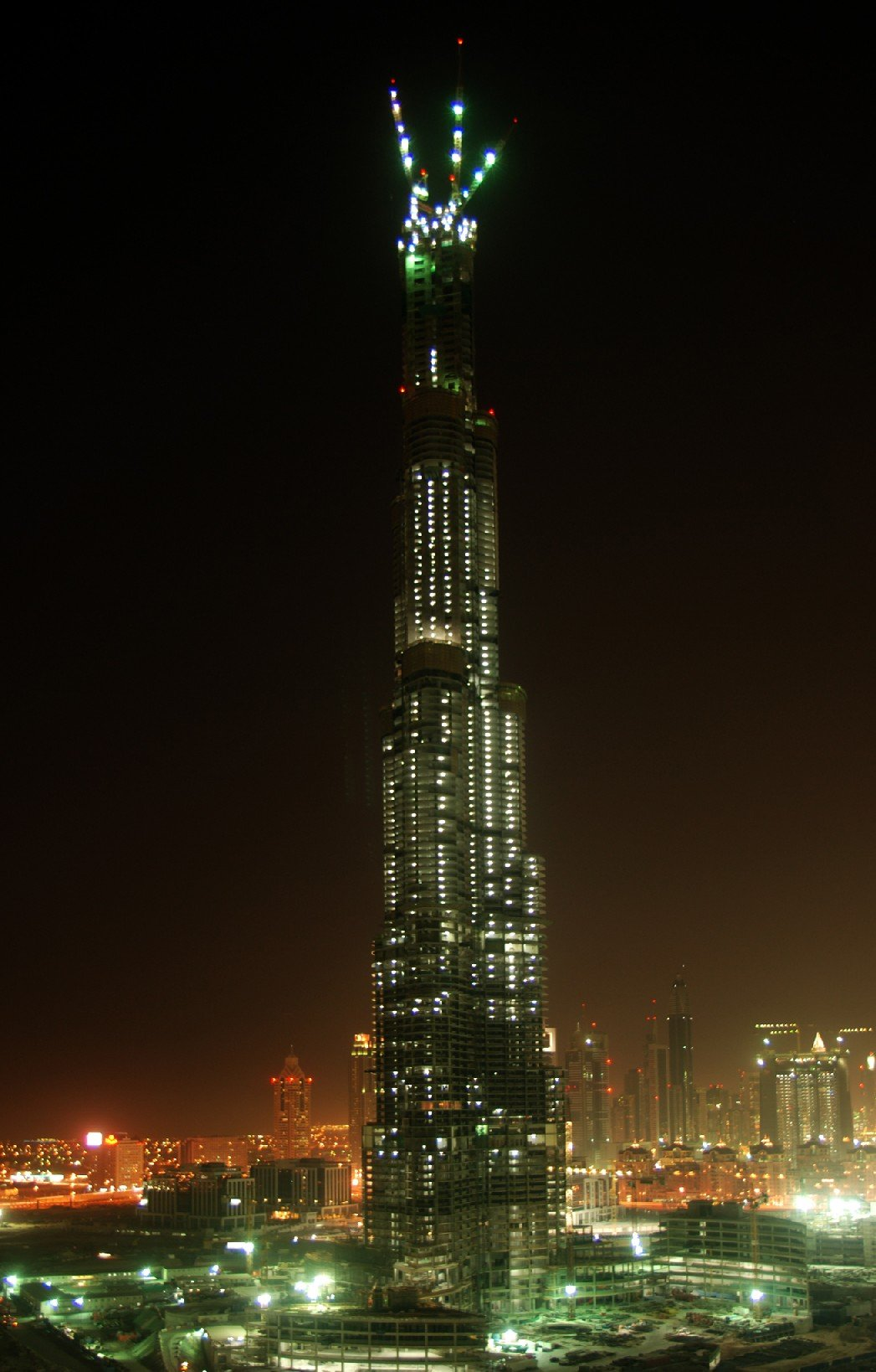 burj tallest building in the world night 1047 x 1638
