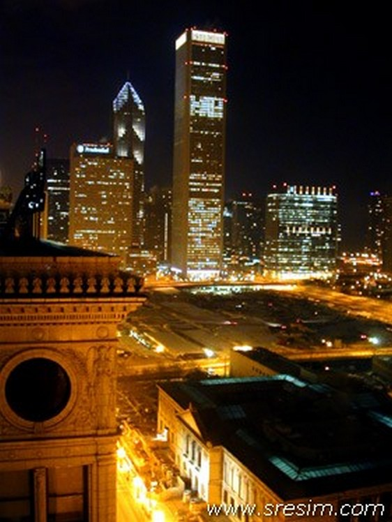 Chicago night 562 x 748