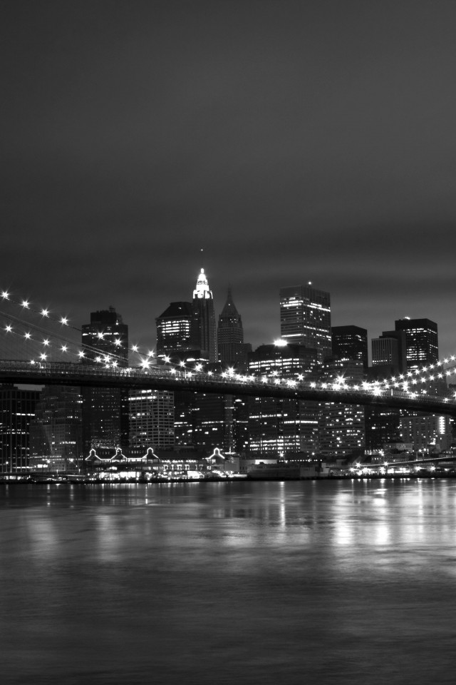 New York Black White 640x960
