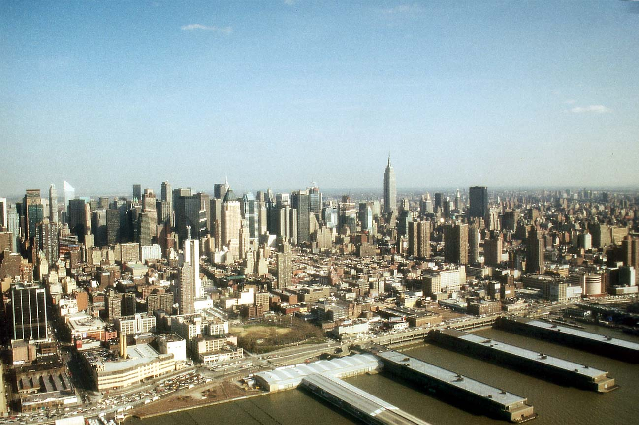 Central Manhattan and Piers 1298x864