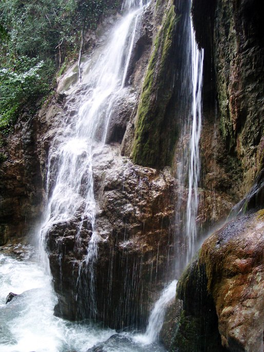 duzce waterfall 514 x 685